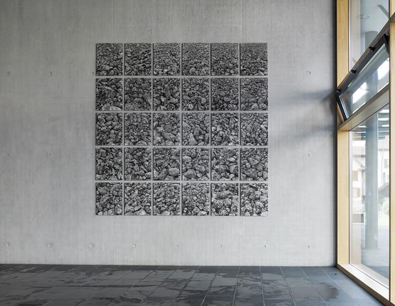 Schulhaus Dorfmatt Baar, 2007, 30-teilige Installation aus dem Werkzyklus Von der Oberfläche der Erde